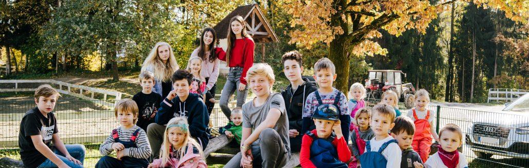 Kinder aus der CreaVita Montessori Privatschule und Kinderhaus